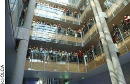 Les enfants chantent en alsacien à la Région Alsace
